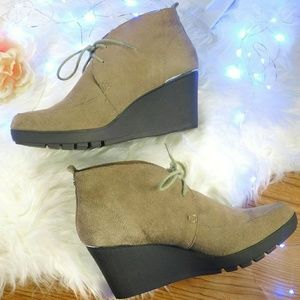 Donald J. Pliner   Nilos suede taupe wedge booties